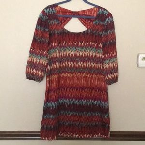 Chevron Print Shift Dress with Back Cut-Out